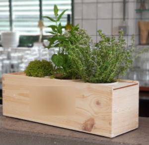 kruidenbox-italiaanse-kruiden-in-houten-kist-cadeau-medewerkers-relaties-pakketzenden-groei-en-bloei