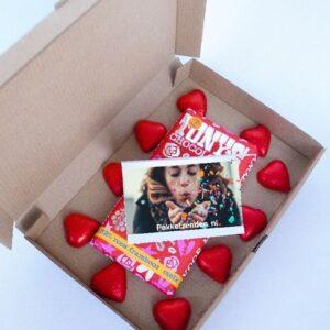 valentijns-pakket-valentijn-tony-s-chocolonely-brievenbuspost-thuiswerken-verrassing-pakketzenden