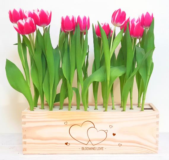 tulpenbox-houten-kist-navulbaar-duurzaam-relatiegeschenk-tulpen-per-post-pakketzenden