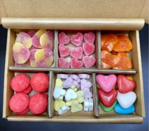 Snoepbox-thuiswerken-collega-s-verrassen-pakketzenden.nl-brievenbuscadeau