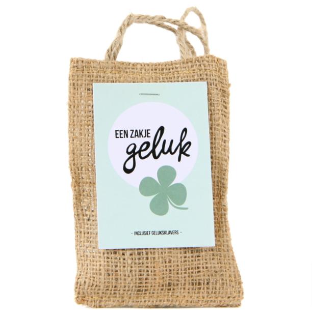Zakje-geluk-bloemzaadjes-uniek-pakketzenden.nl-groei-en-bloei-brievenbuscadeau-brievenbuspost-brievenbusgeschenk-plantjes