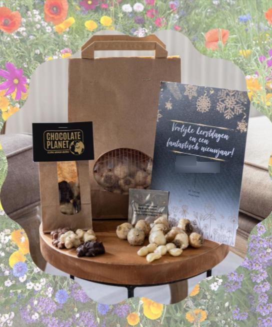 kerstbollenbox-pakketzenden.nl-vlinder-bijenbloemen-chocolade--kerst-verrassing